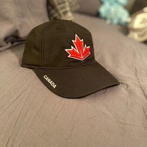 NWT Adidas Team Canada 🇨🇦 Hockey World Cup Hat
